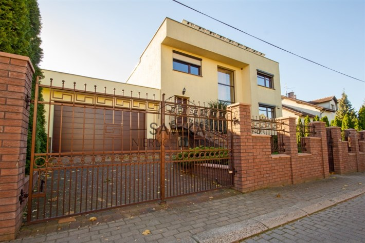 Dom w Chynowie na sprzedaż